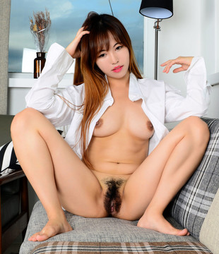 Cute japanese babe demonstrated hairy..