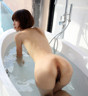 Dissolute oriental girls open their..