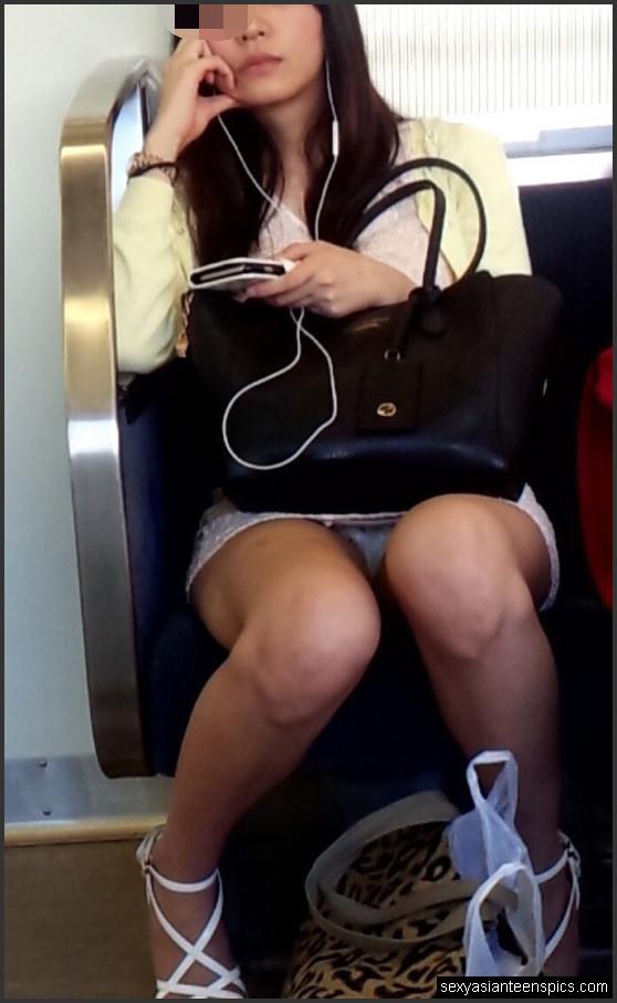 Asian upskirt + train
