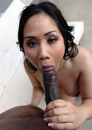 Hot asian wife try to suck huge black..
