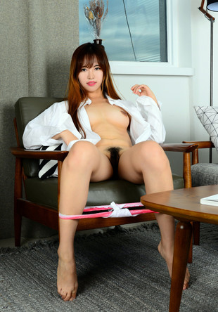 Amazing asian babe show her hairy pussy.