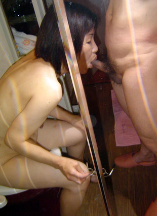 Japanese mature couple having sex in..