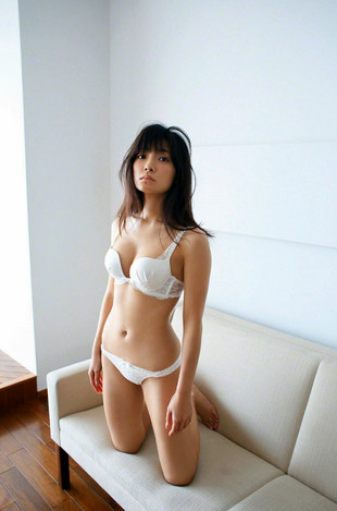 Young japanese model Erica Tonooka in..